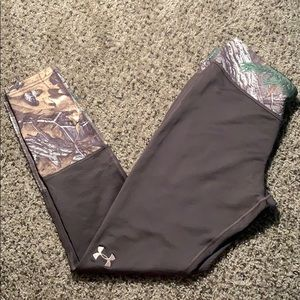 Under Armour cold gear camouflage leggings